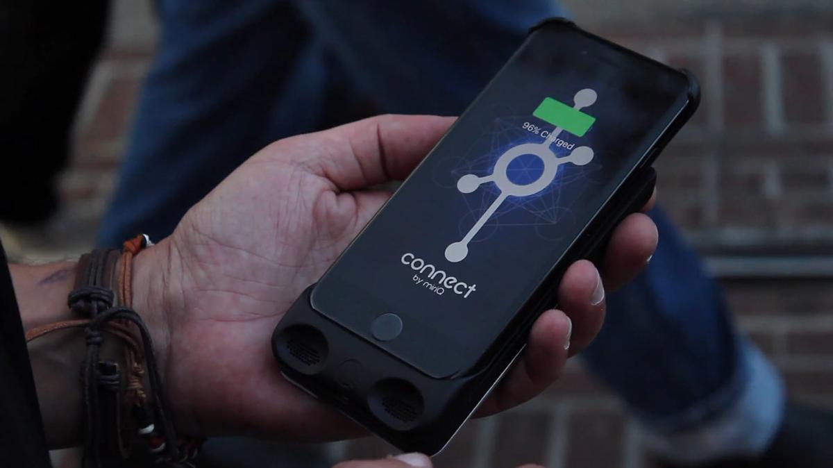 iphone battery case design